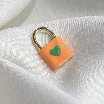 Pingente Cadeado Love Laranja E Verde Banho em Ouro18K