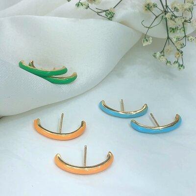 Brinco Ear Hook Liso Esmaltado Colors Banho Ouro 18k