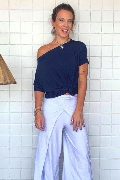 Blusa Decote Canoa Lisa