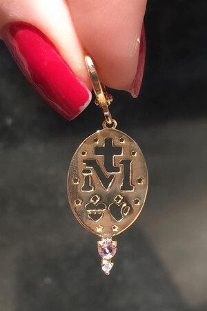 Brinco argolinha medalha oração semijoias (unidade)