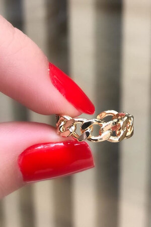 Falso piercing trançado ouro semijoias