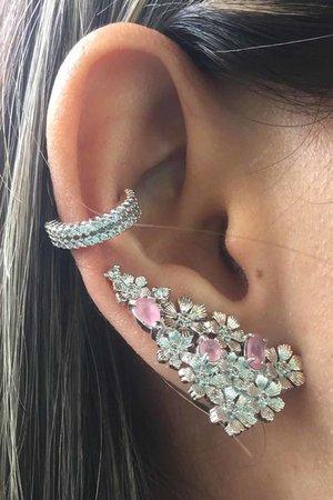 Brinco earcuff Flowers com cristal rosa rodio semijoia