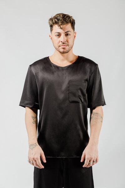 Camiseta em Cetim com Elastano