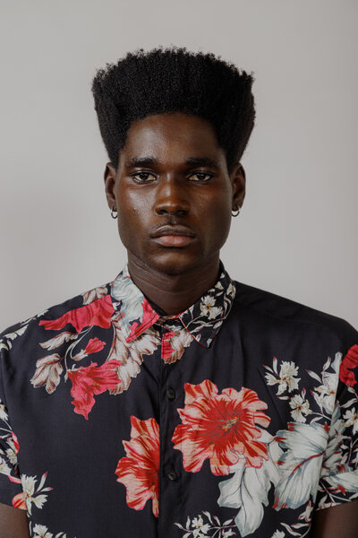Camisa Dark Floral em Viscose