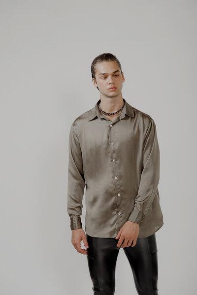 Camisa Básica em Cetim