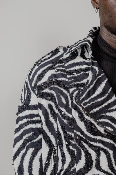 Jaqueta Em Sarja Estampada Bordada Manualmente