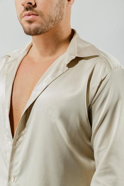Camisa em Cetim com Elastano