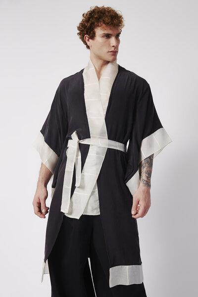 Kimono em Cetim de Seda Estonado