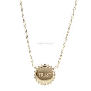 Colar Ouro Cartier Medalha Trust