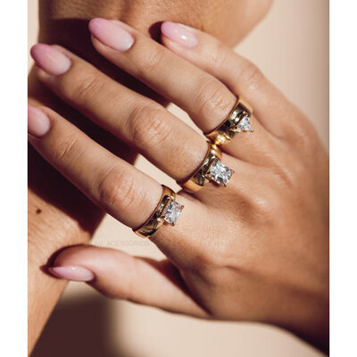 Anel Shape Cristal Ouro - Baguete