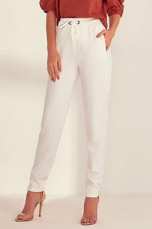 Calça White Style com Ilhós no Cós e Bolsos
