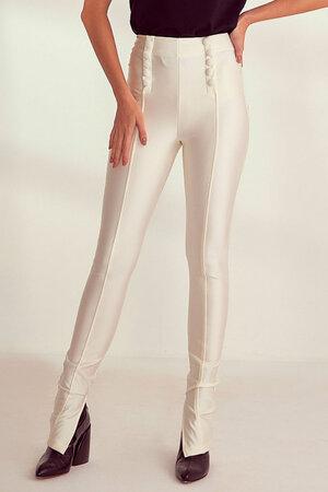 Calça Skinny com Botão Forrado Frontal