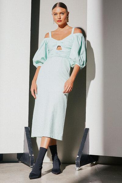 Vestido Busto Franzido Com Abertura