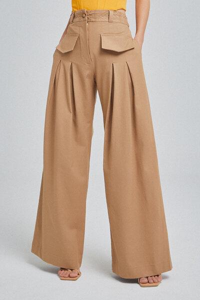 Calça de Linho Pantalona com Pregas e Bordado