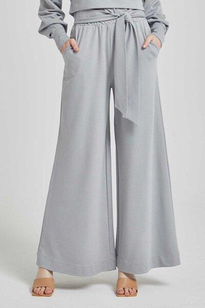 Calça com elastico e faixa na cintura