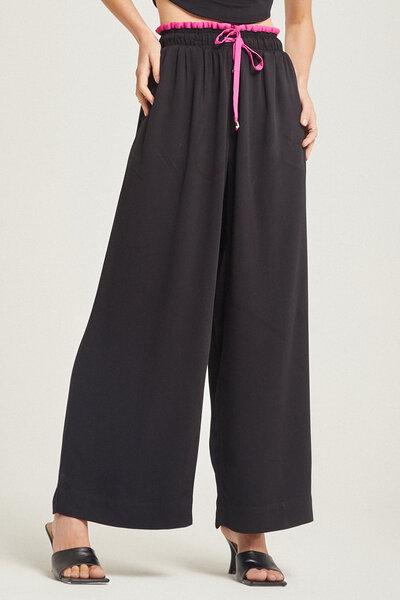 Calça patalona com detalhe bicolor cós e galão