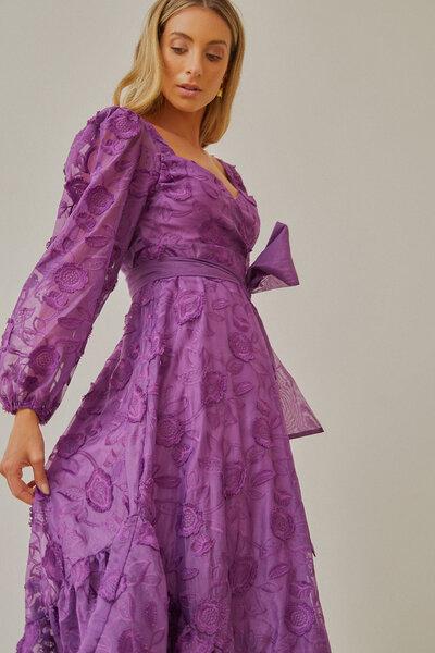 Vestido Decote Princesa Bordado