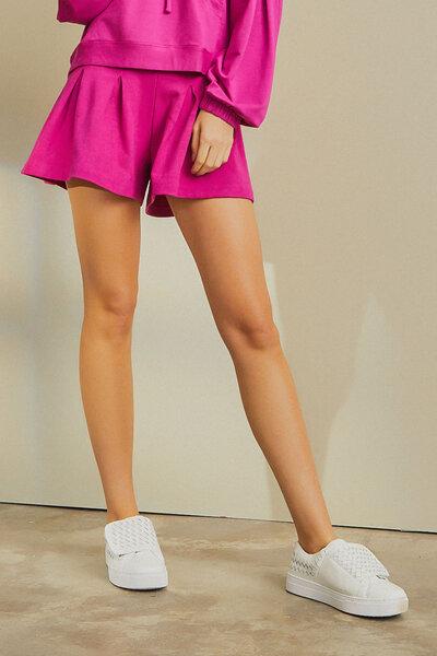 Shorts Com Pregas Amplo