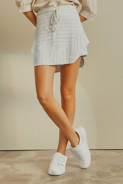 Saia Shorts Com Cordão
