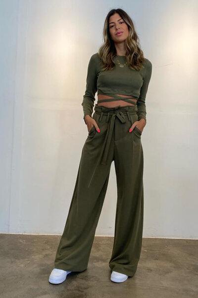 Calça Pantalona Com Passante E Cordão