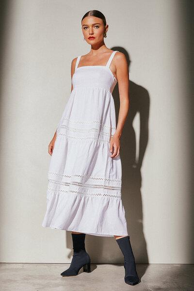 Vestido de Linho com Decote Reto