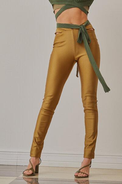 Calça Sculpt com recortes na cintura
