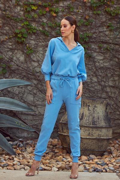 Blusa Candy Colors com Capuz e Recorte Costas