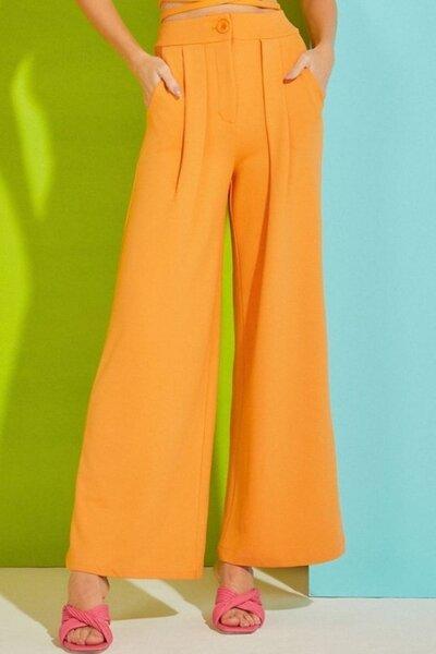 Calça Alfaiataria Pantalona com Pregas